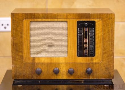 BUSH RADIO TYPE A.C.81 Lempinė Radija