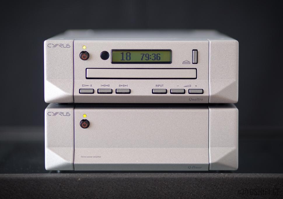 CYRUS Quattro + Q-Power Stereo Sistema